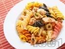 Рецепта Фузили с пилешко, маслини и домати